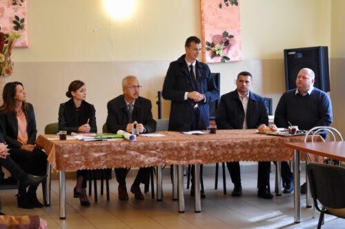 Zebranie, podczas którego nastąpiło odczytanie postanowienia Starosty Włodawskiego Andrzeja Romańczuka o wszczęciu postępowania scaleniowego